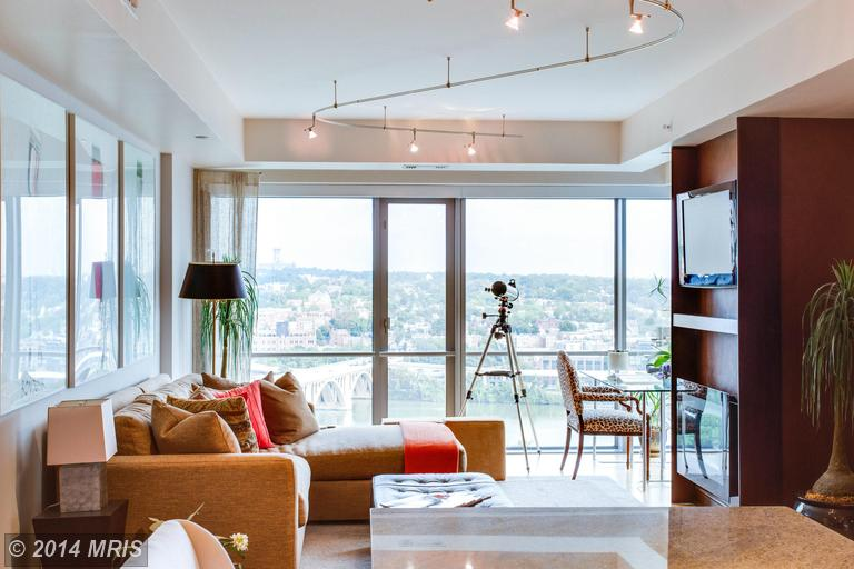 The Waterview Rosslyn