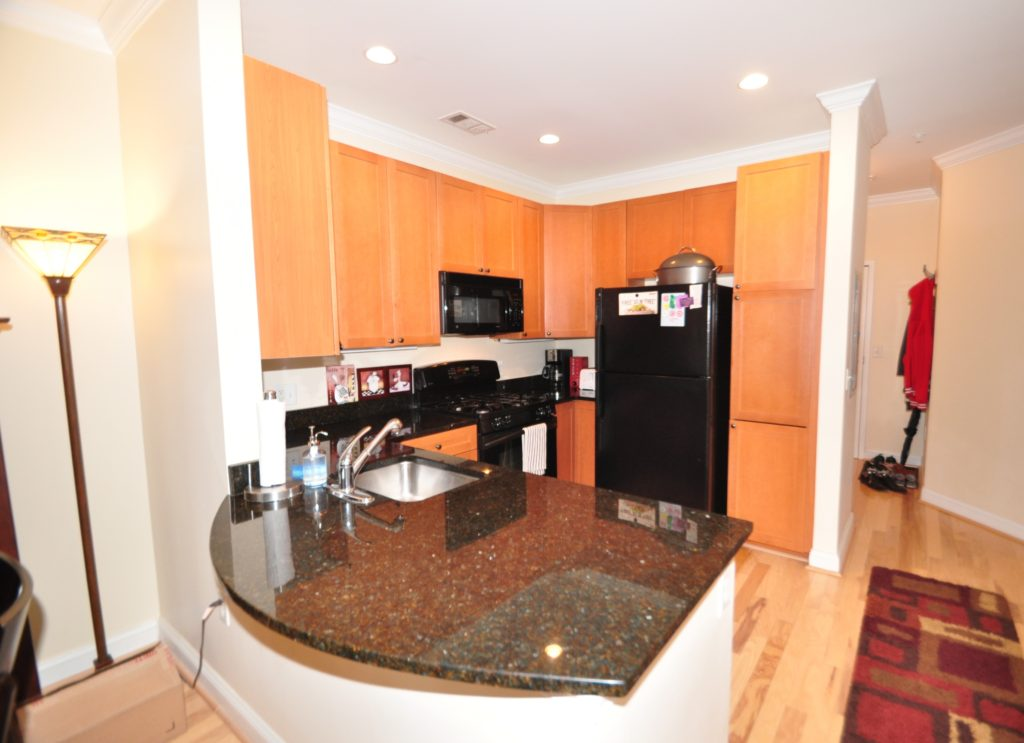 2 Bedroom Kitchen Breakfast Bar